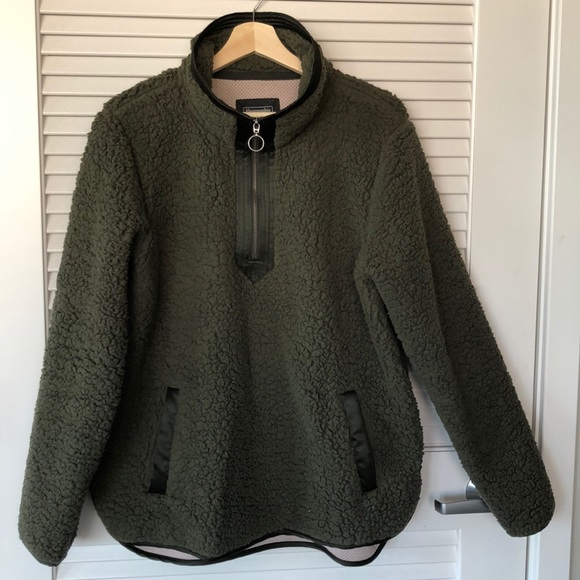 Abercrombie & Fitch Jackets & Blazers - The Essential A&F Sherpa Fleece